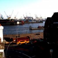 Hafen in Hamburg aus einiger Entfernung