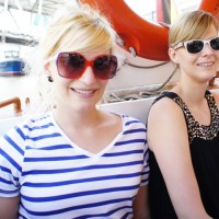zwei coole Brillen on Boots-Tour
