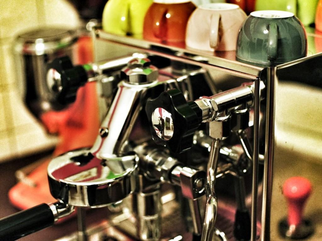 Rocket Cellini Espressomaschine mit Dibbern Tassen