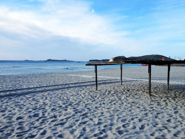 Strand-Impressionen auf Sardinien