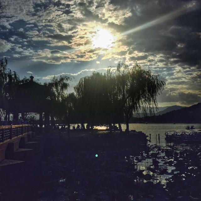 Abendlicht, See in Beijing