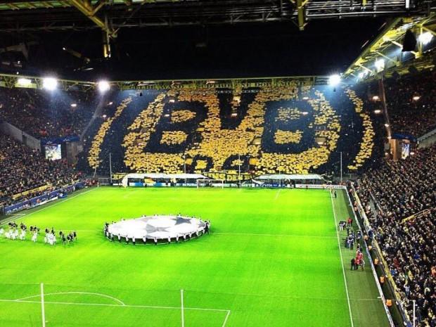 Blick auf die Südtribune im Signal Iduna Park, Dortmund, Westfalenstadion