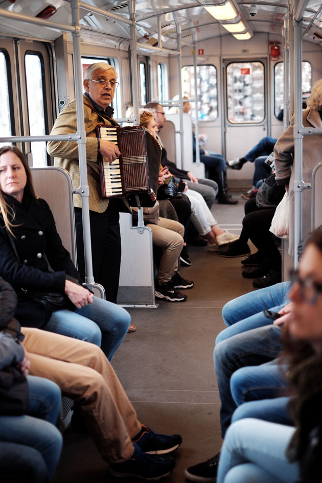 Musiker in Berliner Ubahn