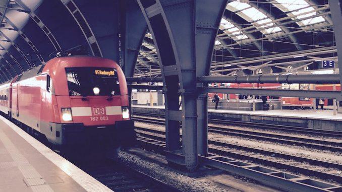 Zug Einfahrt