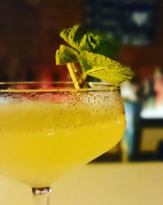 Dandy-Time in der Booze Bar, Berlin